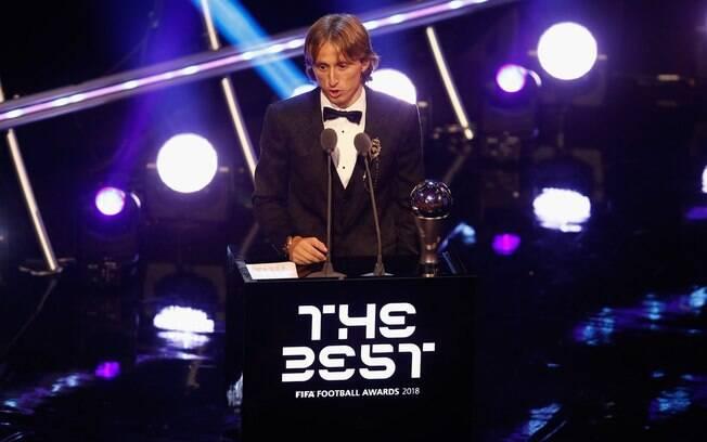 Modric foi eleito o melhor jogador do mundo pela Fifa e quebrou hegemonia de CR7 e Messi