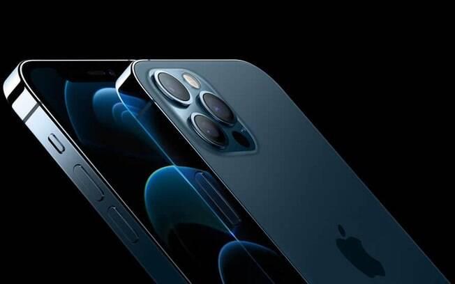 iPhone 12 veio desacompanhado de carregador e continua dando o que falar