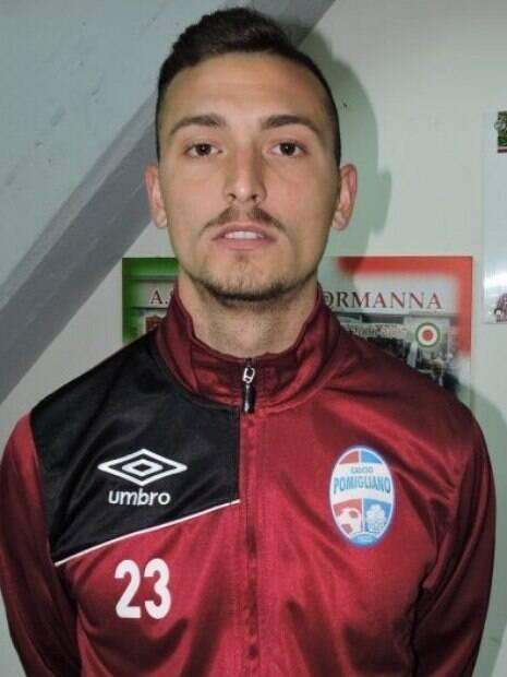 Davide Iovinella deixou a carreira de jogador de futebol para ser ator pornô
