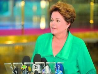 Coletiva. A presidente Dilma Rousseff convocou, ontem, a imprensa para falar sobre suas preocupações com o programa da adversária