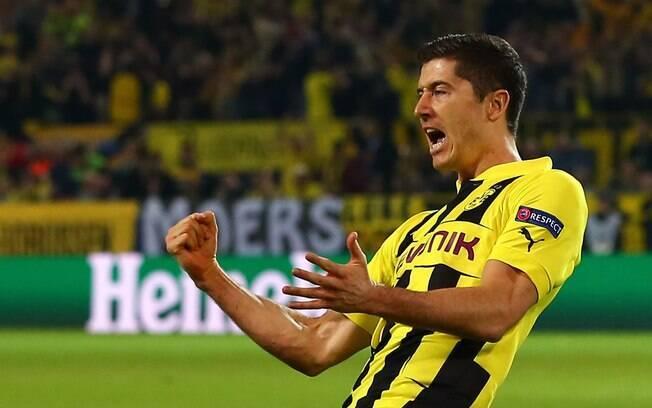Lewandowski comemora gol do Borussia Dortmund  que abriu o placar