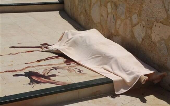 Ataque na Tunísia deixou ao menos 37 mortos e 36 feridos em um hotel na praia. Foto: AP