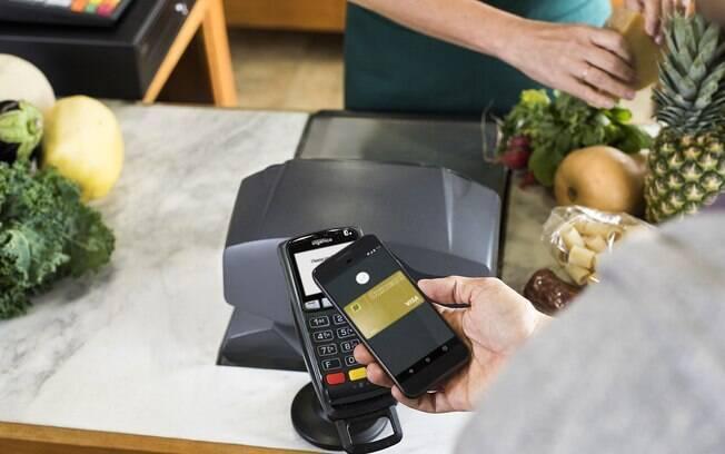Samsung Pay é compatível com alguns celulares Galaxy e Google Pay, a partir da versão KitKat 4.4 do sistema operacional