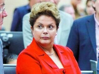 Governo novo, equipe nova, diz Dilma sobre o futuro de Mantega