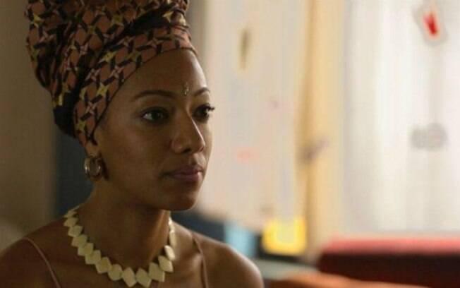 Apesar do sucesso dos turbantes, Juliana recebeu críticas por ter feito um em Fátima Bernardes