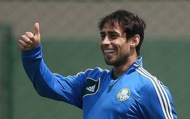 O meia chileno Valdivia, do Palmeiras