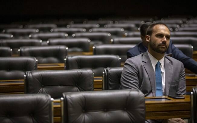 Deputado Eduardo Bolsonaro durante sessão na Câmara