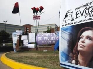 Cristina Kirchner faz  cirurgia para retirada de tumor e recebe apoio de argentinos