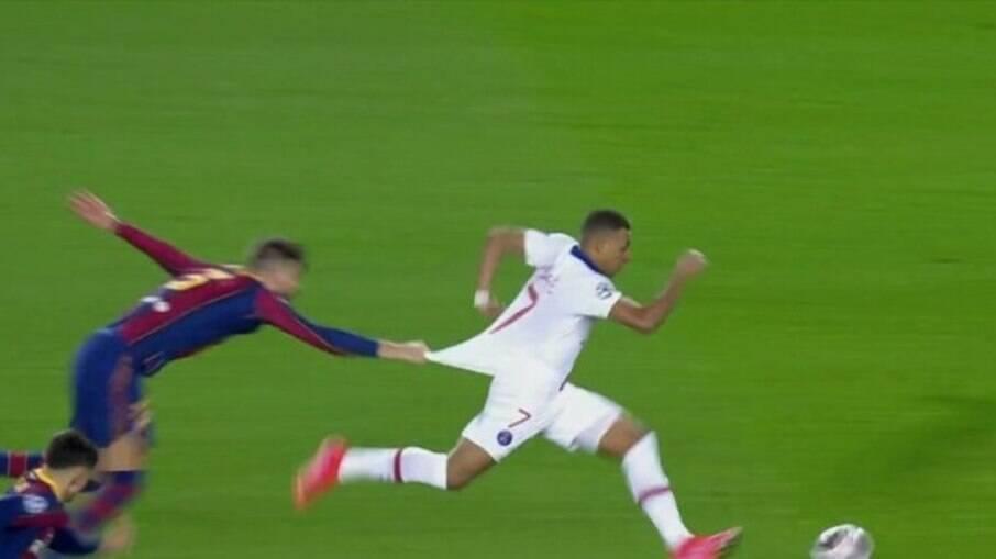Mbappé brilhou contra o Barcelona
