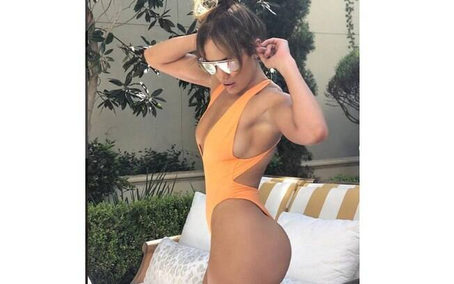 Jennifer Lopez mostra corpão em foto publicada nas redes sociais