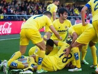 Os amarelos comemoram vitória sobre os galegos