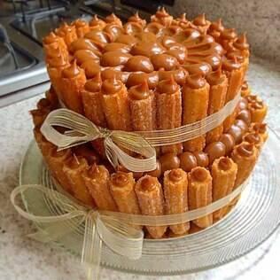 Bolo de churros criado pelo chef Bruno Veloso, que fez sucesso nas redes sociais