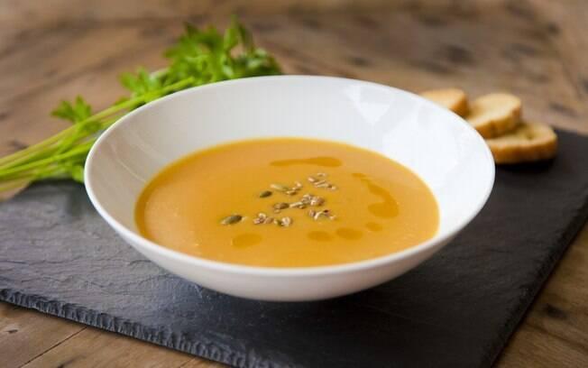 A sopa, quando bem feita, é uma refeição muito saudável, mas não se pode fazer uma dieta em que ela é o único tipo de refeição