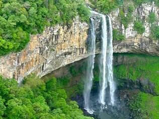 Tem 131 m a queda da cascata do Caracol, em Canela
