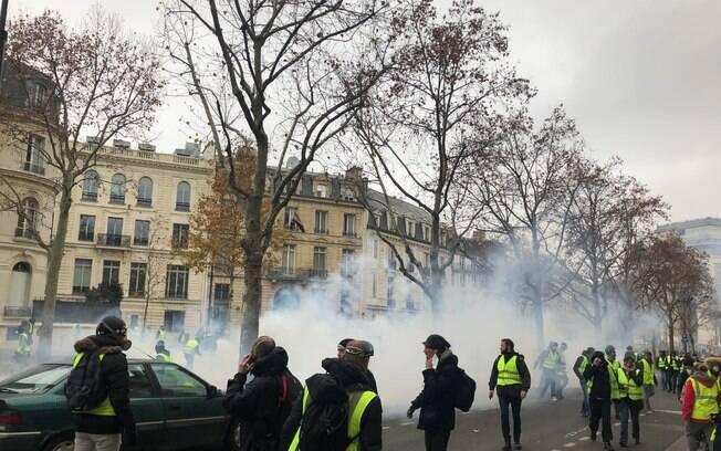 Manifestantes questionam excesso de violência na ação da polícia francesa