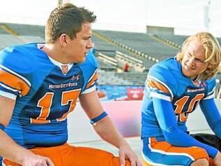 Triângulo. Flerte do personagem de Tatum com jogador de futebol americano é uma das melhores piadas do filme
