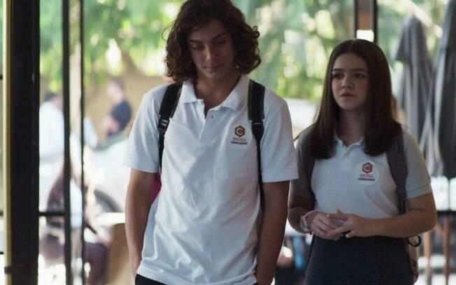 Merlin (Cadu Libonati) e Cássia (Mel Maia)