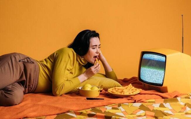 Conheça o conceito de fome emocional e veja como combater ela com Mindful Eating