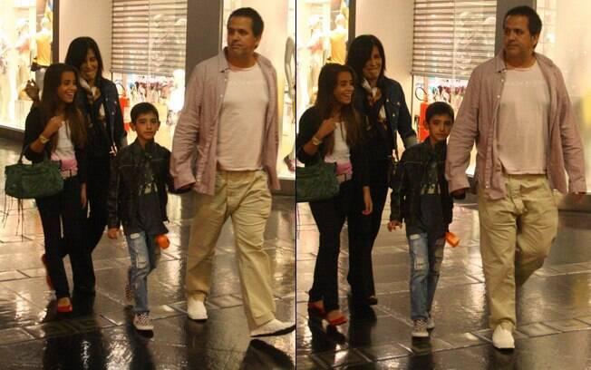 Glória Pires e Orlando Morais com os filhos