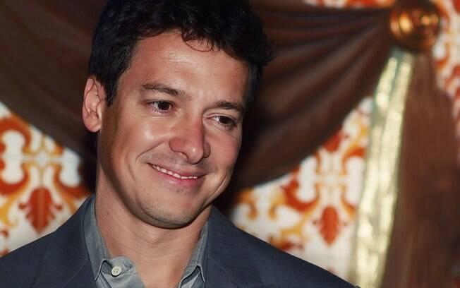 Rodrigo Faro vira mestre de cerimônia de leilão beneficente