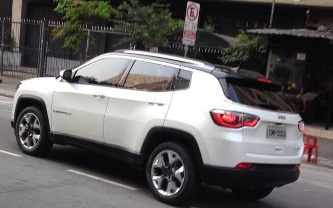 Novo Jeep Compass é visto antes do lançamento, na semana que vem.  Estará no Salão do Automóvel, em novembro