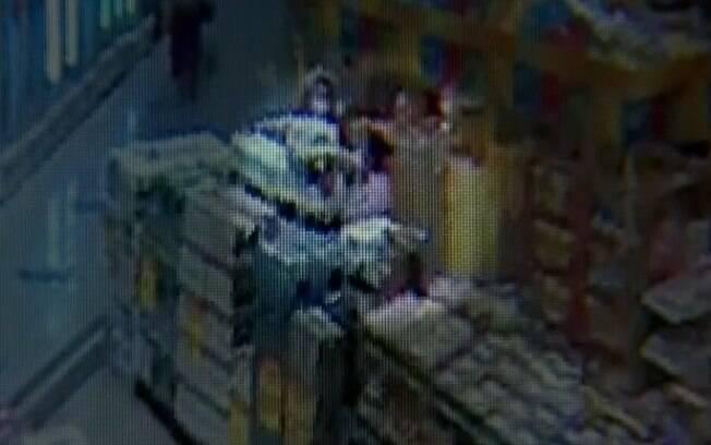 Quadrilha de mulheres de Campinas roubava vinhos caros em supermercado