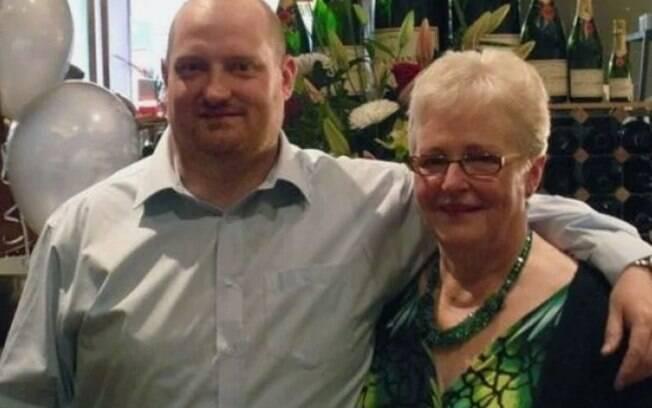Miller foi informado da morte da mãe após se recuperar do coma induzido e da Covid-19