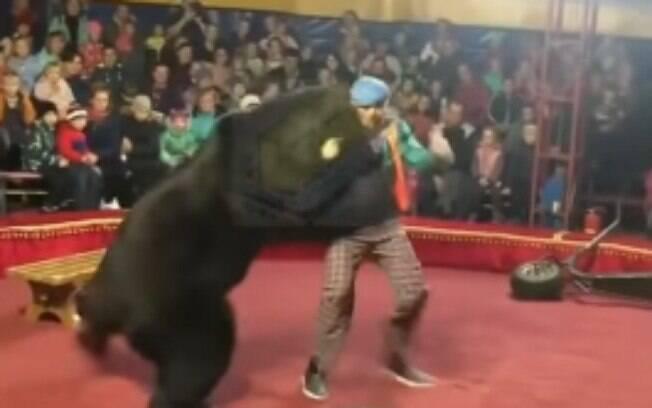 Aproximadamente 50 países proíbem a presença de animais selvagens em circos.
