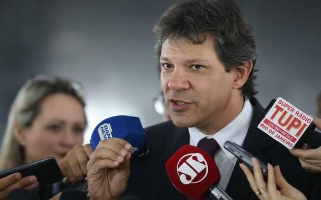Prefeito Fernando Haddad admitiu ter sido sondado por outros partidos, mas diz que não se identifica com nenhum deles