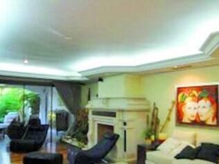 Vida boa. Imagens da casa do ex-médico, em Assunção