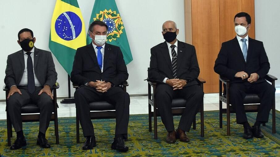 Anderson Torres - último sentado da direita para a esquerda - trocará o comandante da Polícia Federal