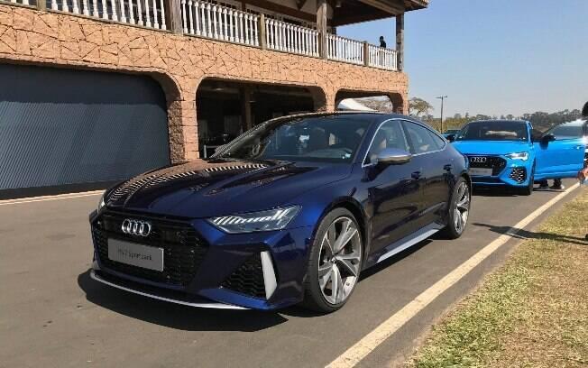 Novos Audi RS e R8 são o que fanáticos por velocidade podem querer, seja para andar na cidade, ou nas pistas