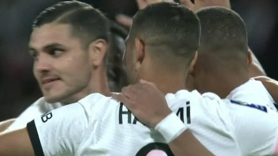 PSG vence no finalzinho o Metz e segue 100% na Ligue 1