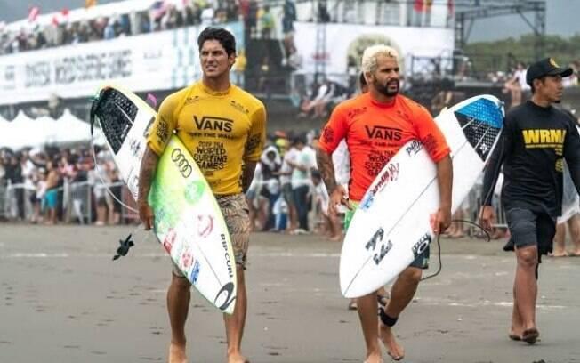 Gabriel Medina e Ítalo Ferreira ainda estão na disputa pelo título mundial de surfe