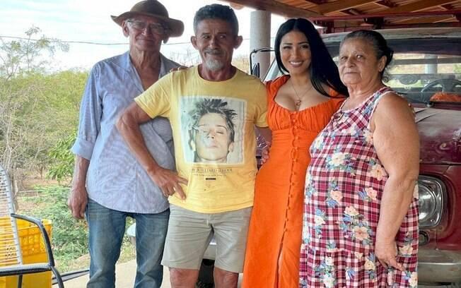 """Simaria retorna à sua cidade natal na Bahia: """"Foi um começo sofrido"""""""