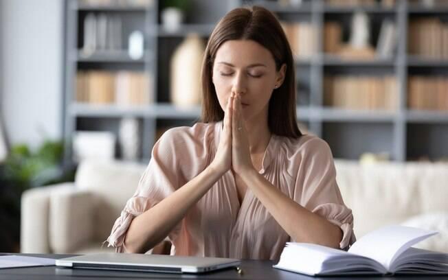 Orações para a vida profissional: abençoe seu trabalho com essas preces