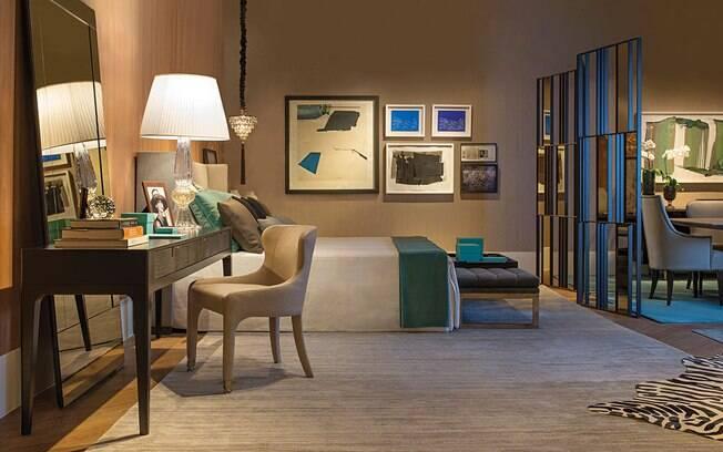 O quarto projetado por Antonio e Camila é rico em detalhes: os arquitetos fizeram questão de colocar uma escrivaninha