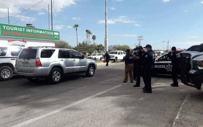 Cidades mexicanas criaram barreiras para impedir entrada de cidadãos dos EUA