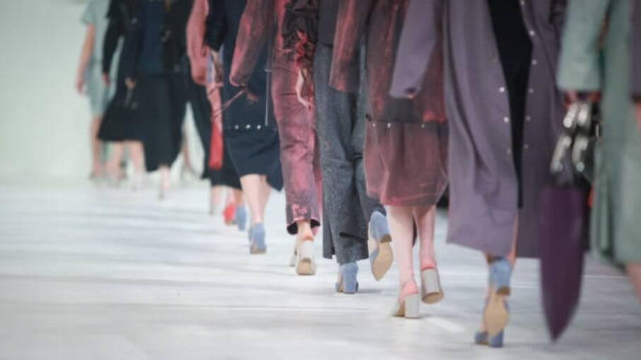 Entenda como a moda agênero expande a discussão para muito além de um estilo de roupa