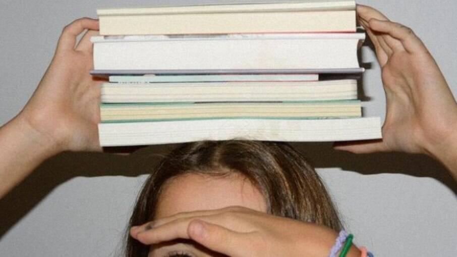 A livraria tem uma seleção de livros infantis escritos e ilustrados por mulheres