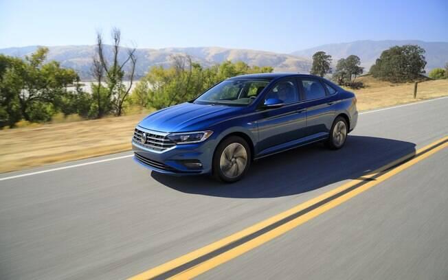 Volkswagen Jetta sobe de patamar, afastando-se ainda mais do compacto Virtus. Novidade chega no segundo semestre