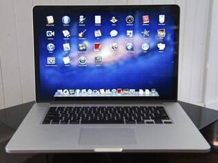 Tela de altíssima resolução é o destaque do novo MacBook Pro, que deve ganhar versão menor na semana que vem