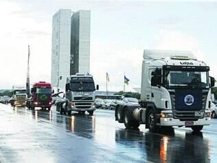 Caminhoneiros encerram oficialmente a greve ontem, em Brasília