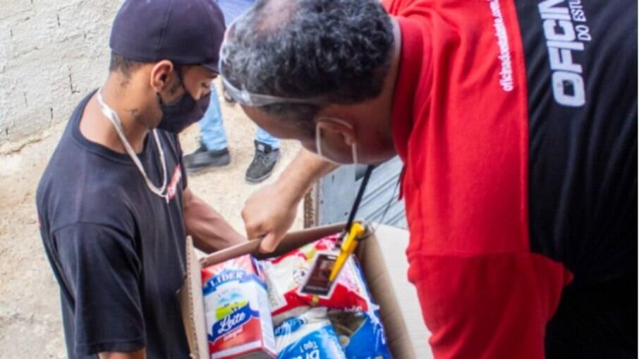 Oficina do Estudante entregou alimentos à Casa da Sopa.