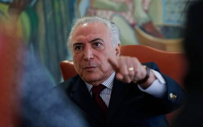 Michel Temer reuniu-se com o ministro-chefe da Casa Civil, o ministro de Minas e Energia e o presidente da Câmara