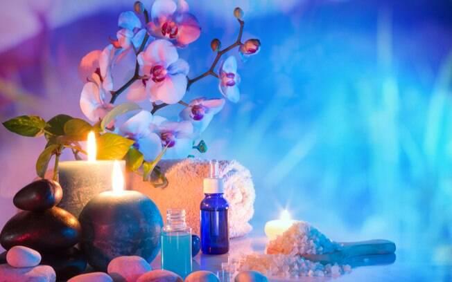 Cromoterapia no banheiro: 4 dicas para deixar o ambiente mais relaxante
