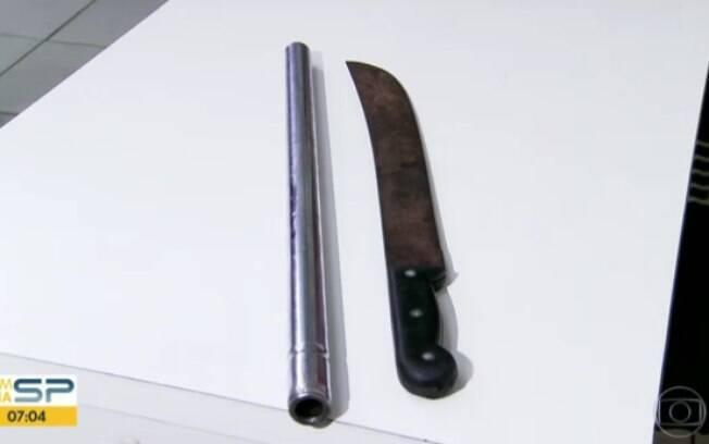 Facão apreendido pelos policiais que foi utilizado para assassinar torcedor palmeirense