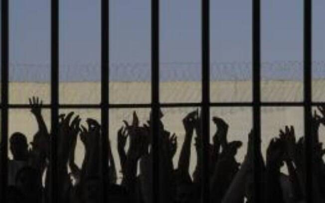 Brasil é citado em relatório global de abusos de direitos humanos por prisões superlotadas e violência policia