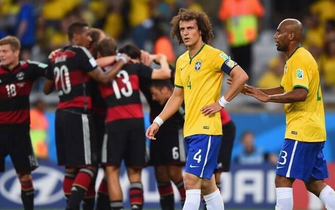 Brasil 1 x 7 Alemanha, na semifinal da Copa do Mundo de 2014, foi tema em coletiva de Tite