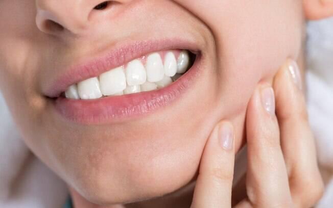 Enfraquecimento dos dentes: 5 hábitos que prejudicam sua saúde bucal